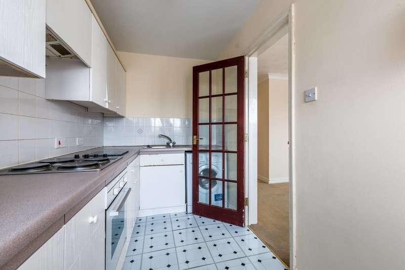 2 Bedrooms Flat for sale in Hartley Court, Mitcham, CR4