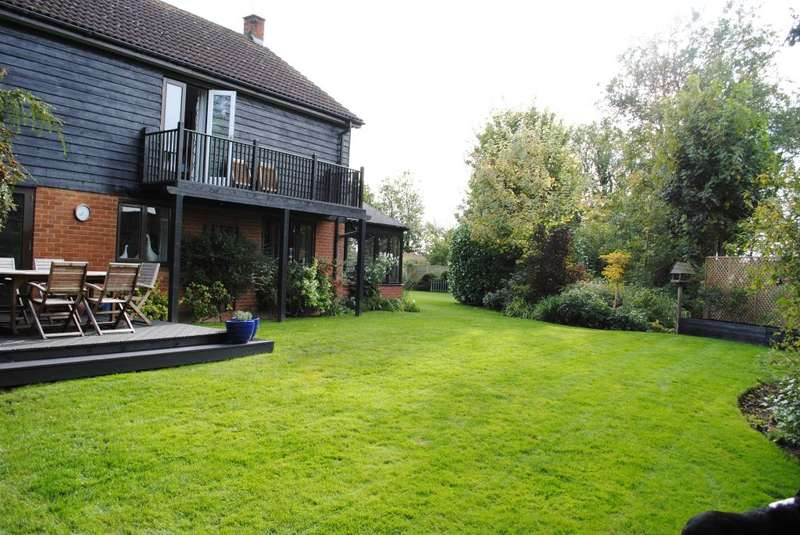 4 Bedrooms Detached House for sale in High Street, Lower Dean, Bedfordshire, PE28 0LL