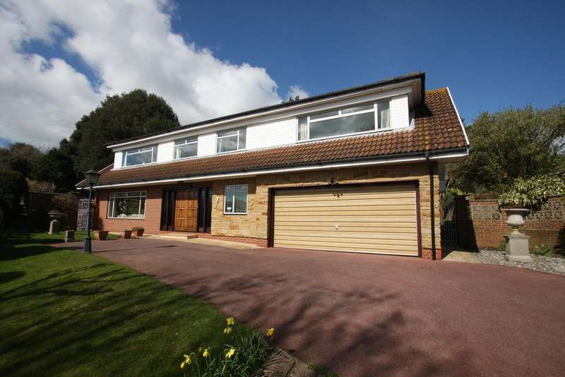 4 Bedrooms Detached House for sale in Meads Brow, Eastbourne BN20