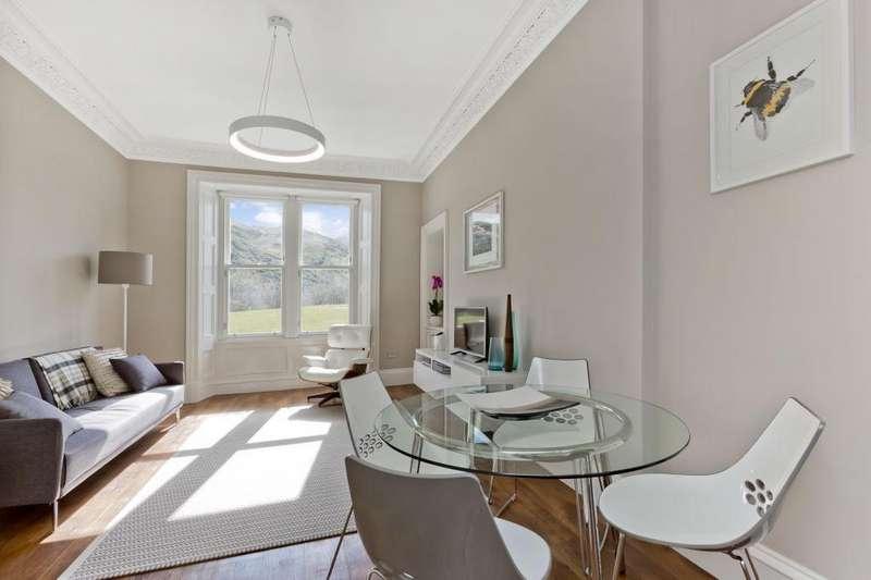 3 Bedrooms Flat for sale in 17/5 Royal Park Terrace, Meadowbank, EH8 8JB