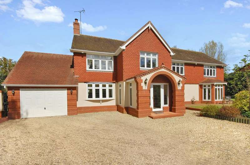 5 Bedrooms Detached House for sale in Boundary Way, Wightwick, Wolverhampton WV6