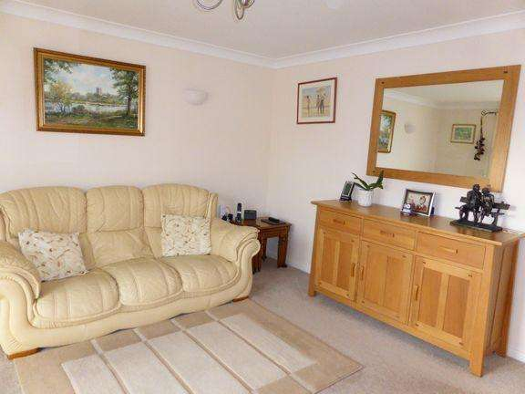2 Bedrooms Flat for sale in Boscombe, Bournemouth