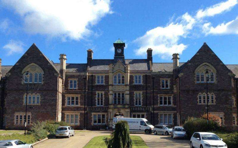 2 Bedrooms Apartment Flat for sale in 60 Sarno Square, Abergavenny, NP7 5JT