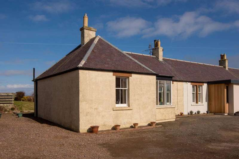 2 Bedrooms Cottage House for sale in 4 Castleton Farm Cottages, North Berwick, East Lothian, EH39 5PN