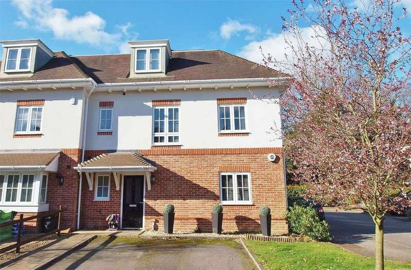 4 Bedrooms Semi Detached House for sale in Virginia Close, Shortlands, Bromley