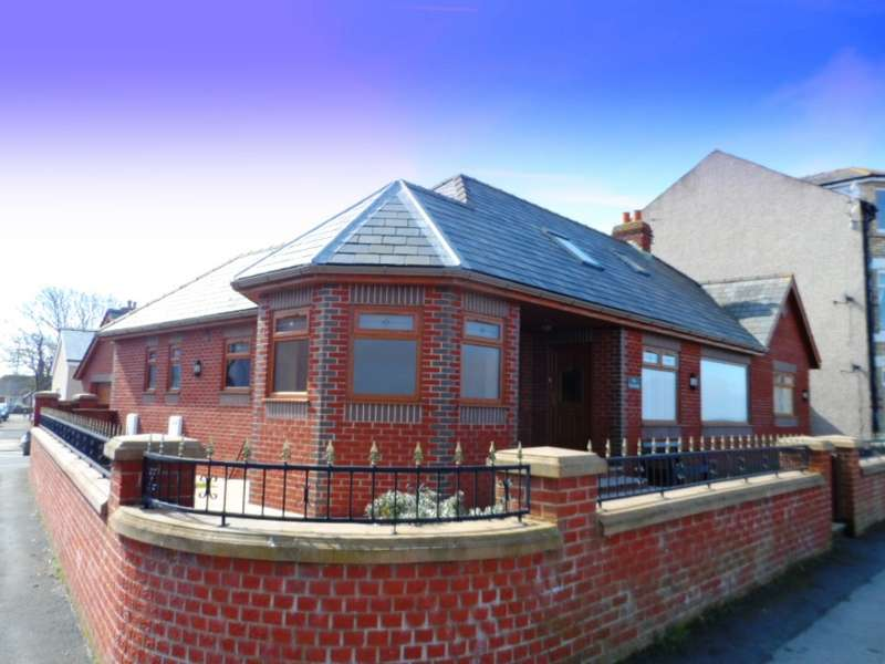 2 Bedrooms Detached Bungalow for sale in Promenade, Knott End On Sea, FY6 0AN