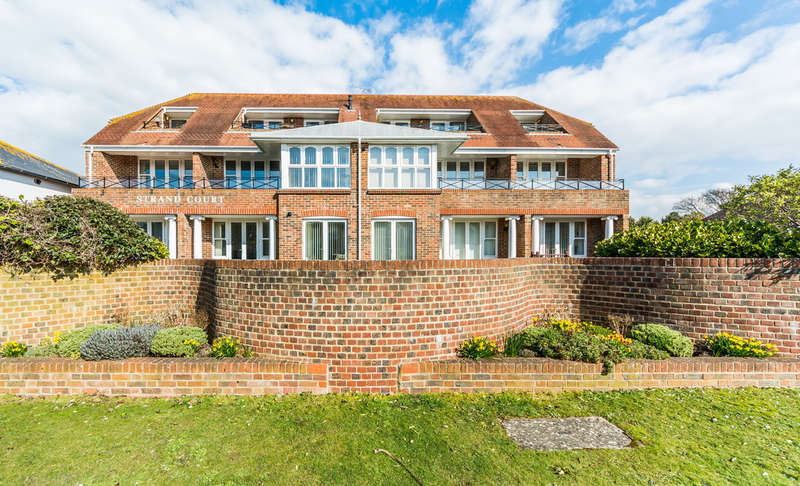 2 Bedrooms Flat for sale in South Strand, East Preston