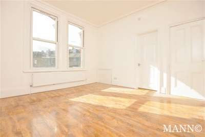 3 Bedrooms Flat for rent in Holmesdale Road, South Norwood, SE25