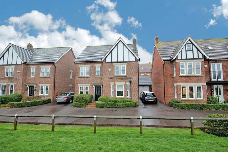4 Bedrooms Detached House for sale in Basen Close, Kempston