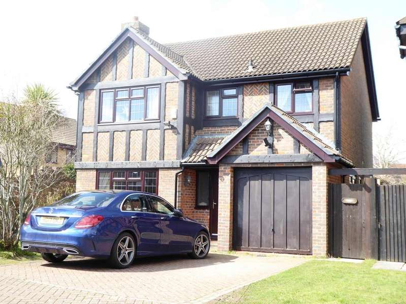 4 Bedrooms Detached House for sale in Walsingham Dene, Bournemouth, BH7