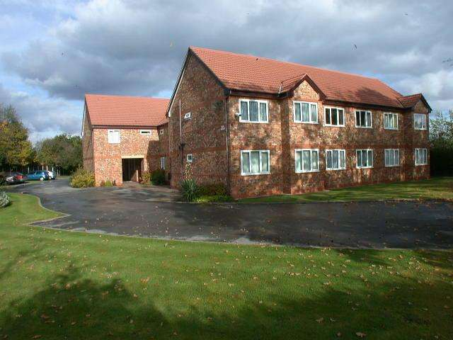 1 Bedroom Ground Flat for sale in Greenacre, Outwood Road, Heald Green, Cheadle SK8