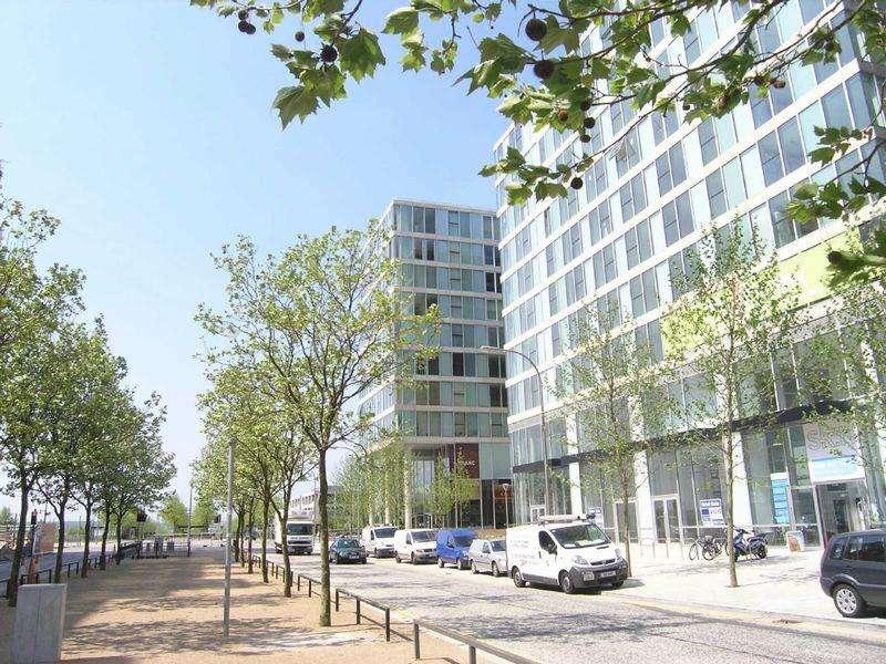 2 Bedrooms Apartment Flat for sale in Rillaton Walk, Milton Keynes