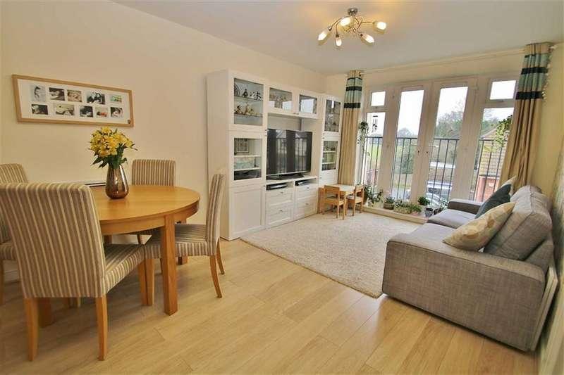 2 Bedrooms Apartment Flat for sale in Schoolgate Drive, Morden, SM4