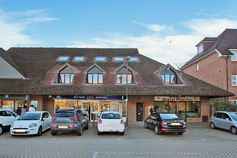 2 Bedrooms Duplex Flat for sale in Maidenbower Square, Maidenbower