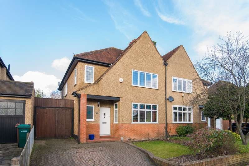 3 Bedrooms Semi Detached House for sale in Mount View, Rickmansworth, WD3 7AX