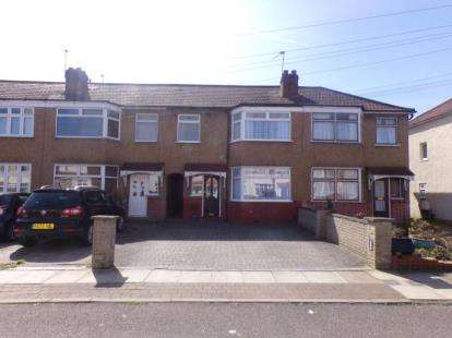 3 Bedrooms Terraced House for sale in Carisbrook Close, Enfield