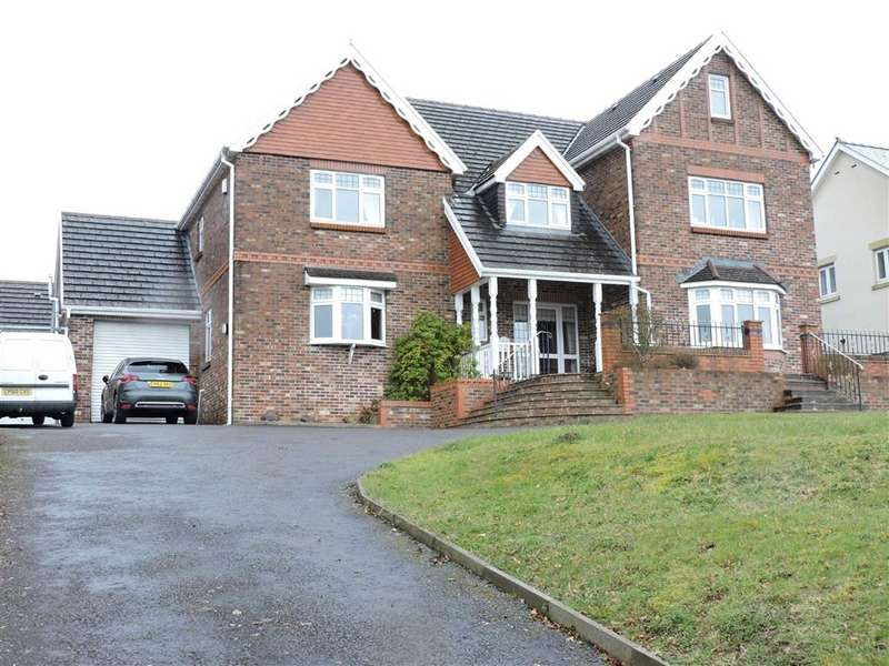 5 Bedrooms Detached House for sale in Waterloo Road, Capel Hendre
