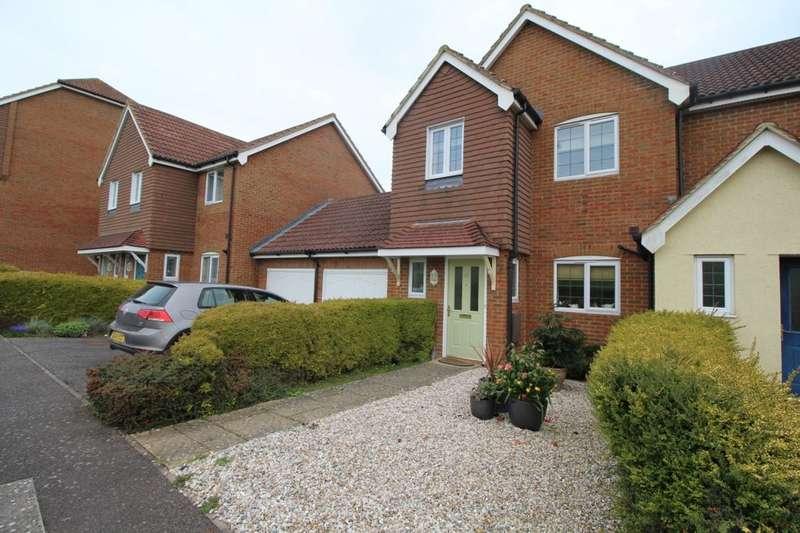 3 Bedrooms Semi Detached House for rent in Brisley Close, Kingsnorth, Ashford, TN23