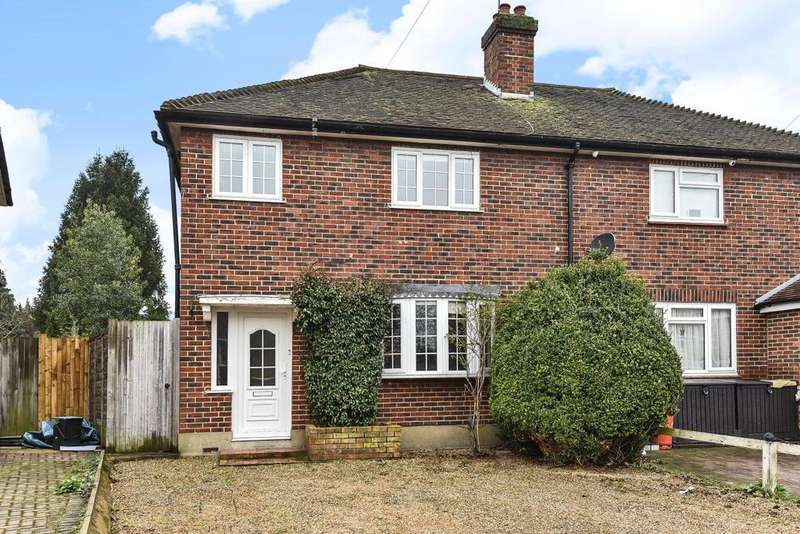 3 Bedrooms Semi Detached House for sale in Barwood Avenue, West Wickham