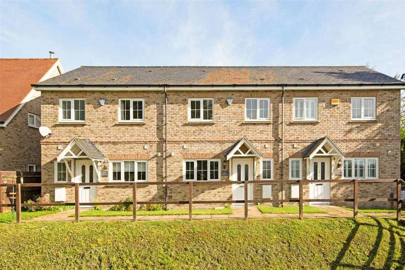 3 Bedrooms Terraced House for sale in Hartop Close, Ivinghoe Aston, Leighton Buzzard, LU7