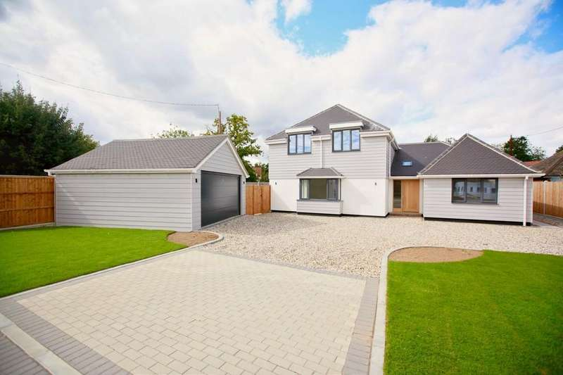 4 Bedrooms Detached House for sale in London Road, Great Notley, CM77 7QH