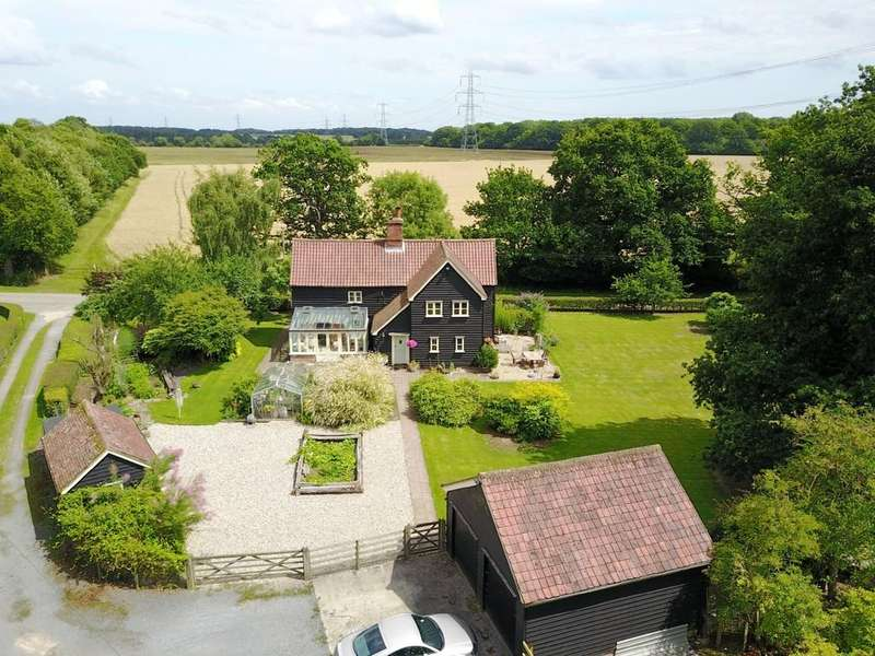 5 Bedrooms Detached House for sale in Pattiswick, CM77 8BE
