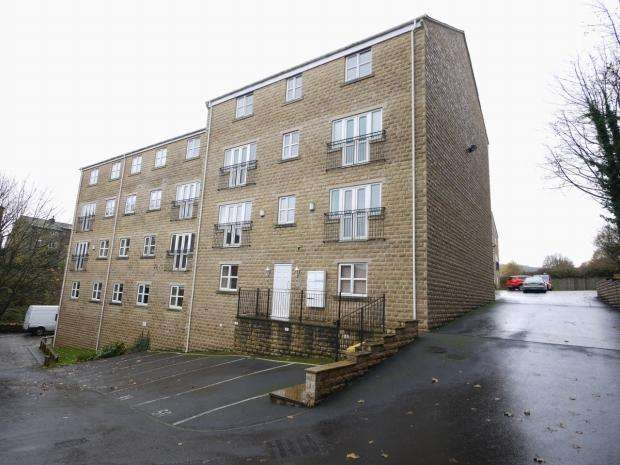 2 Bedrooms Apartment Flat for rent in Mount Lane Rastrick Brighouse