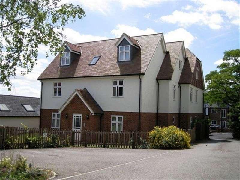 2 Bedrooms Apartment Flat for rent in Knebworth, Hertfordshire