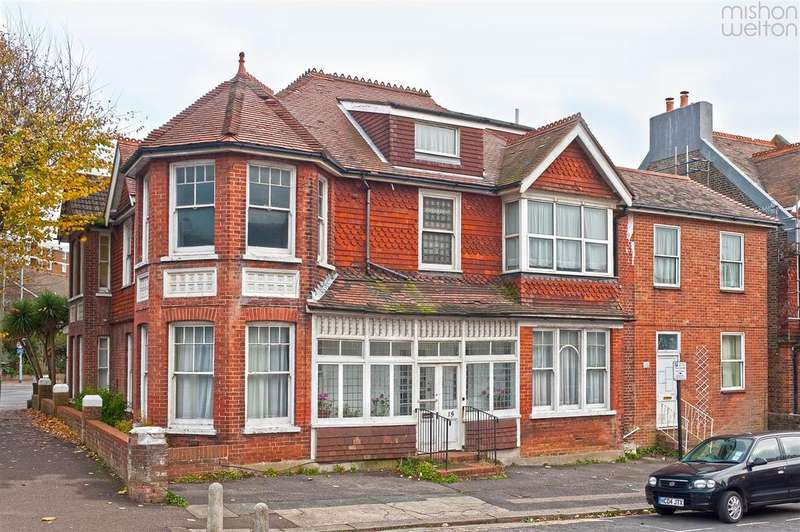 13 Bedrooms Semi Detached House for sale in Caburn Road, Hove