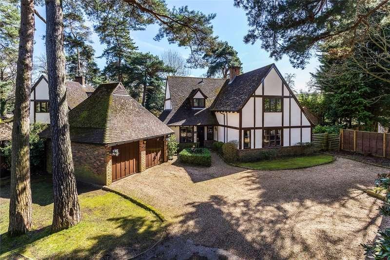 4 Bedrooms Detached House for sale in Tudor Close, Woking, Surrey, GU22