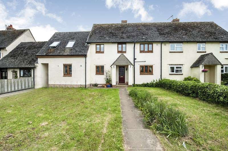 4 Bedrooms Village House for sale in Hempton Road, Deddington, Banbury