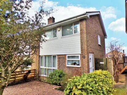 3 Bedrooms Semi Detached House for sale in Robin Way, Chipping Sodbury, Bristol, Gloucestershire