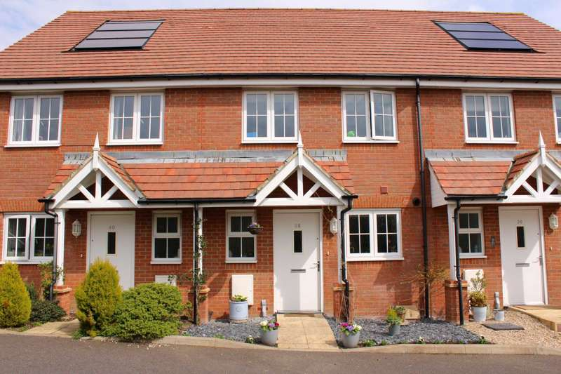 2 Bedrooms Terraced House for sale in Carnforth Crescent, Eastbourne, BN23 8NS