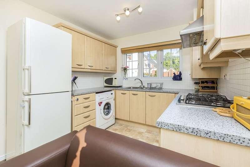 3 Bedrooms Semi Detached House for sale in Hornbeam Close, Wesham, Preston, PR4