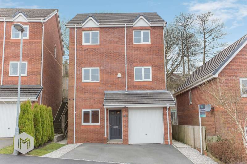 4 Bedrooms Town House for sale in Valley View, Bury, BL8