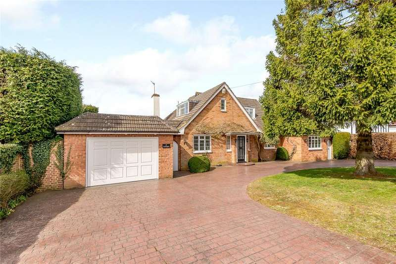 4 Bedrooms Detached House for sale in Hillfield Road, Chalfont St Peter, Buckinghamshire
