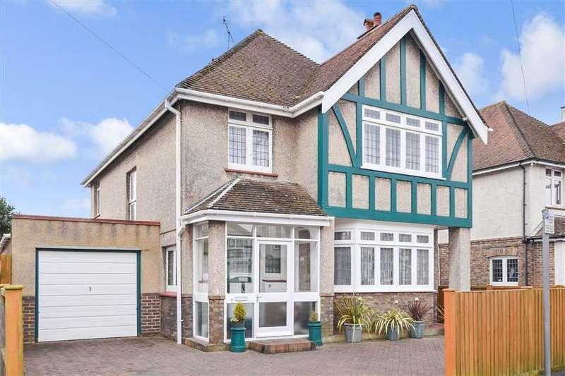 4 Bedrooms Detached House for sale in Den Avenue, Bognor Regis, West Sussex