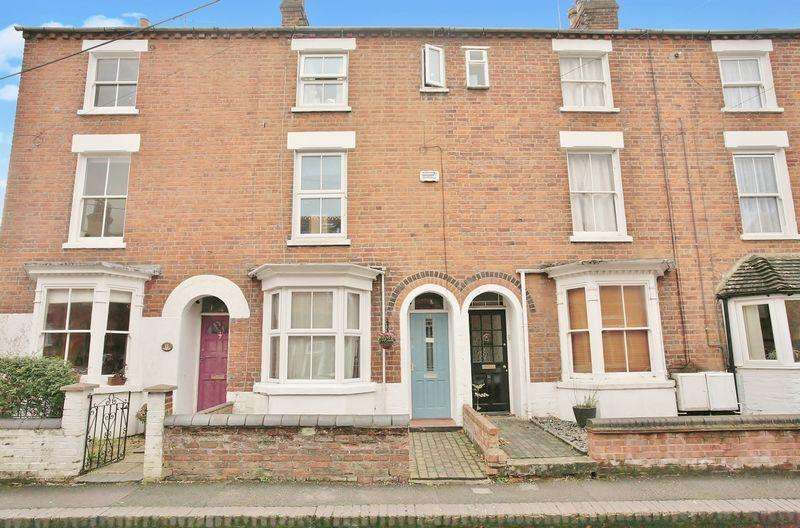 4 Bedrooms Terraced House for sale in 12 Prospect Road, Banbury