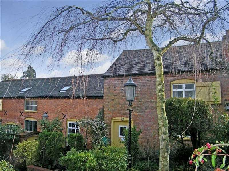 3 Bedrooms Semi Detached House for sale in High Street, Newent, Gloucestershire