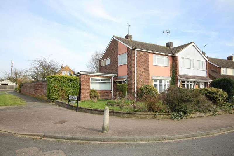 3 Bedrooms Semi Detached House for sale in Eldon Close, Colchester, Essex, CO4