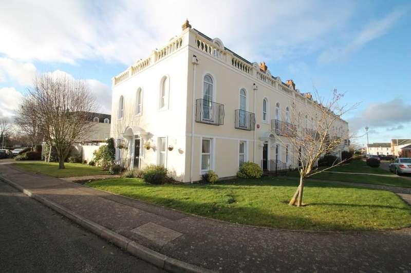 4 Bedrooms Town House for sale in Fieldfare, Watermead, Aylesbury