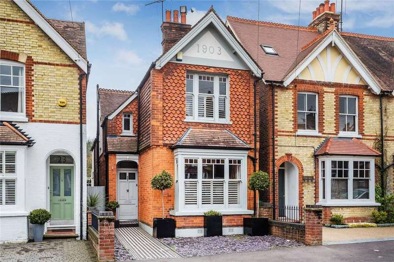4 Bedrooms Detached House for sale in Deerings Road, Reigate, Surrey, RH2