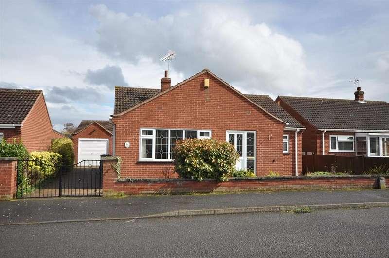 2 Bedrooms Detached Bungalow for sale in The Hemplands, Collingham