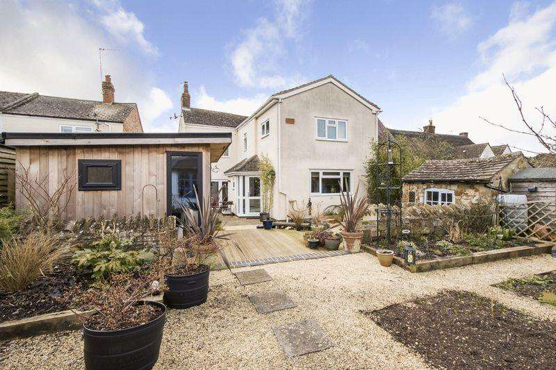3 Bedrooms Semi Detached House for sale in Ettington, Nr Stratford-upon-Avon, Warwickshire