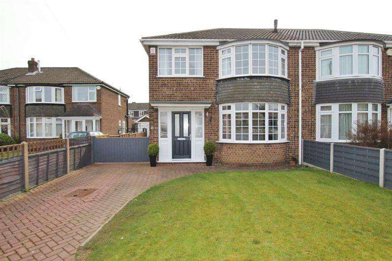 3 Bedrooms Semi Detached House for sale in GRAINSBY AVENUE, CLEETHORPES