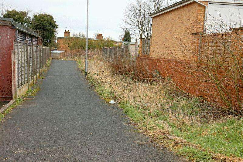 Land Commercial for sale in Manor Rise, Stone