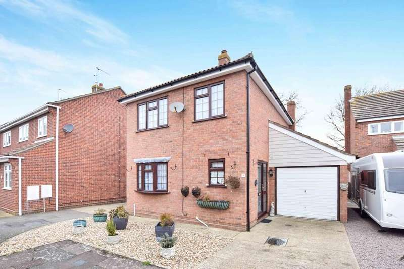 3 Bedrooms Detached House for sale in Thornwood Close, West Mersea, CO5 8BU