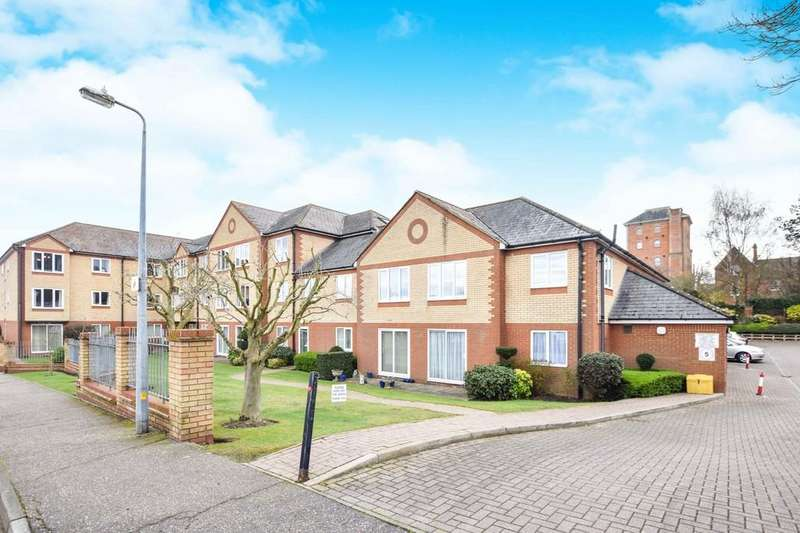 1 Bedroom Flat for sale in Exeter Drive, Colchester, CO1 2RX