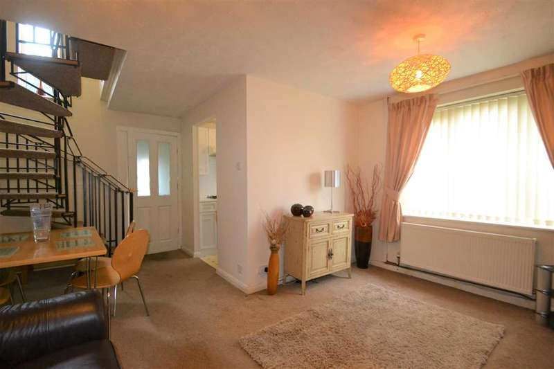 1 Bedroom Mews House for rent in Boundary Drive, Bradley Fold, Bolton