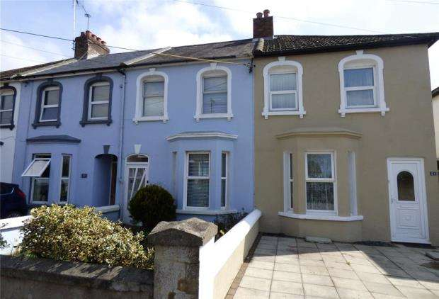 2 Bedrooms Terraced House for sale in Beaconsfield Road, Wick, Littlehampton